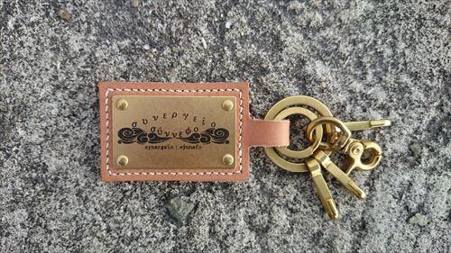 レザークラフトの贈り物(メンズ)にキーホルダー・財布・小銭入れを